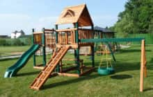 Как построить детскую площадку на даче