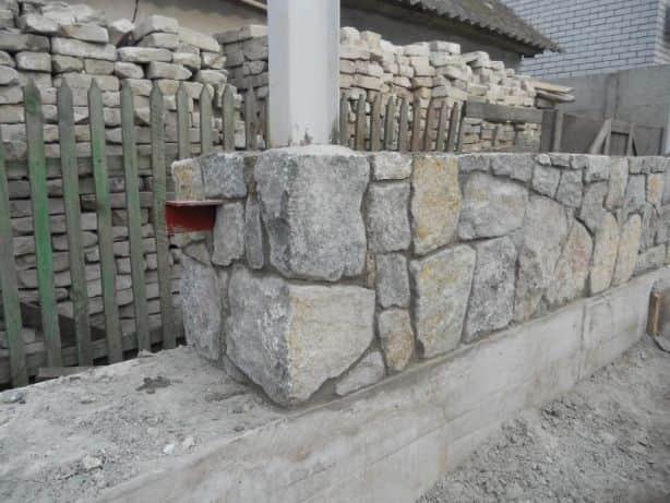 Стены из бута-плитняка