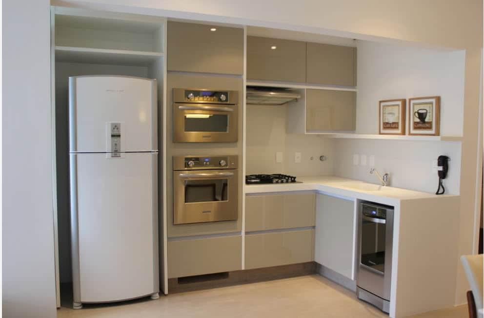 Маскировка холодильника Эконом-вариант