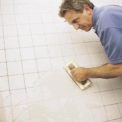 Затирка швов керамической плитки в ванной