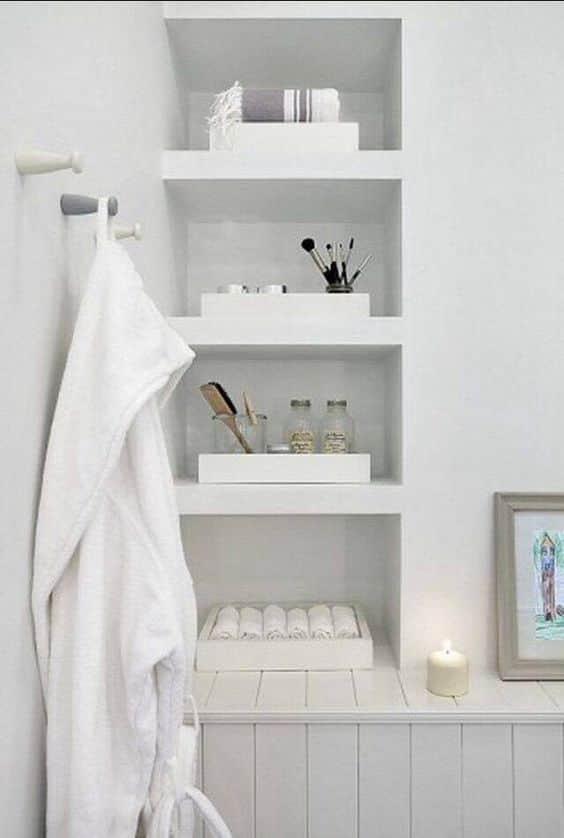 Встроенная полка в ванную комнату фото