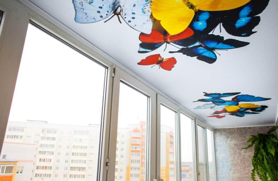 Натяжные потолки для балкона