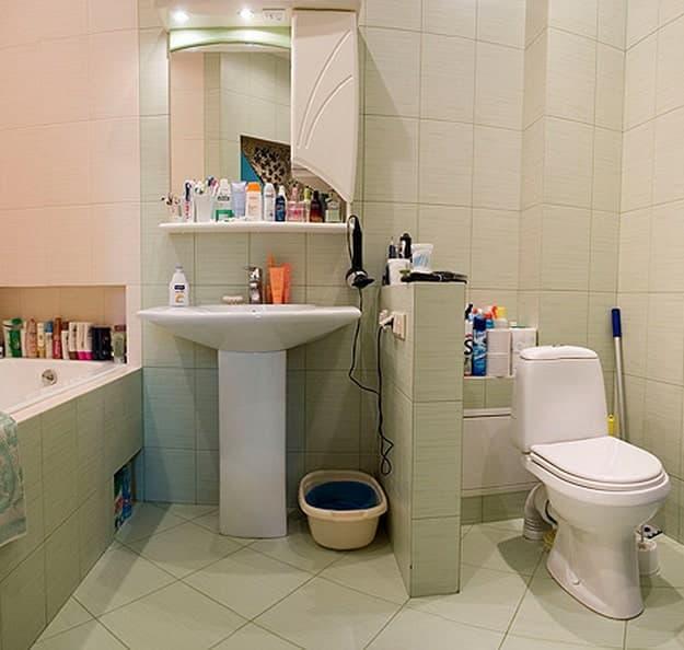 Стоит ли совмещать ванную и туалет