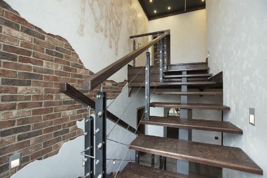 Внутренние металлические лестницы
