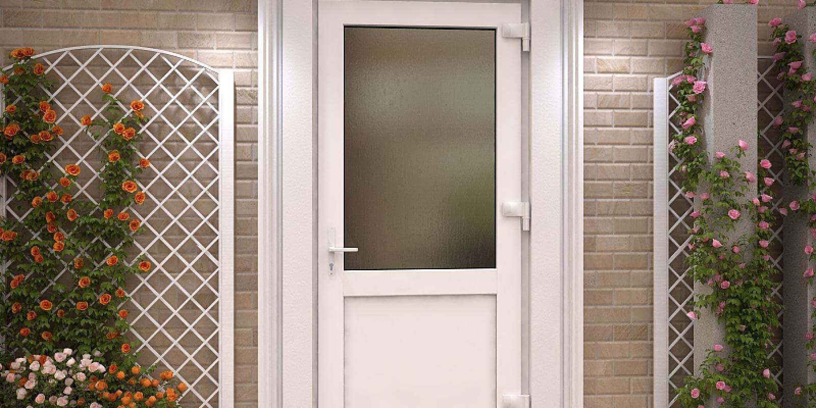 Пластиковые двери в комнату и на балкон