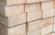 Строганный деревянный брус