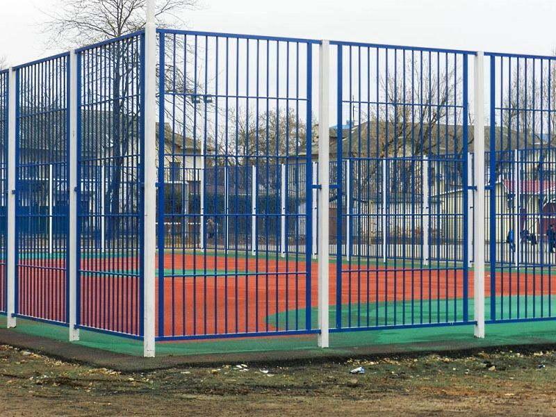 Богатство выбора от спортивных площадок до кованых заборов