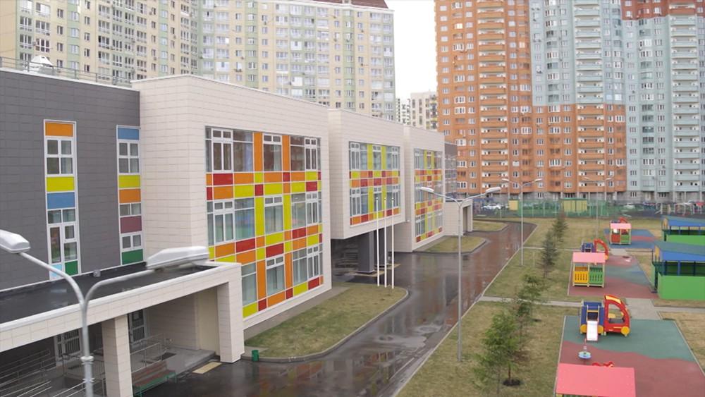 Собянин: еще пять школ и детсадов возведут в районе Некрасовка